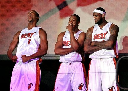 lebron-james-chris-bosh-dwyane-wade-introduced-in-miami-7821fbe30df9302c_large